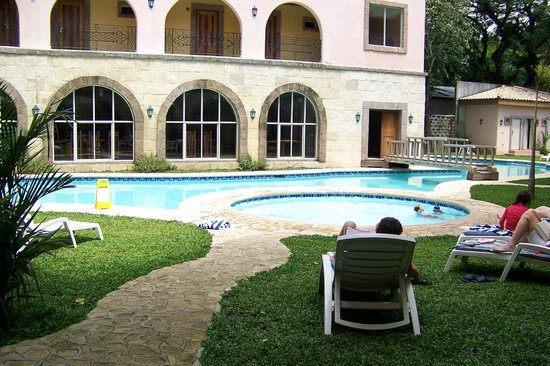Corto del Mar Hotel : pool in a courtyard