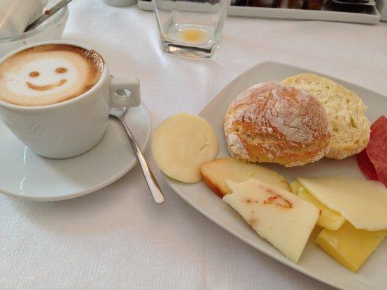 Hotel Novecento: Breakfast