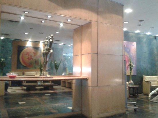 Bauen Suite Hotel : La entrada del hotel