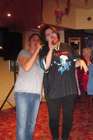 The Village Inn: Karaoke 2013