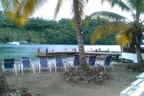 Marigot Beach Club and Dive Resort: Cool sun spot
