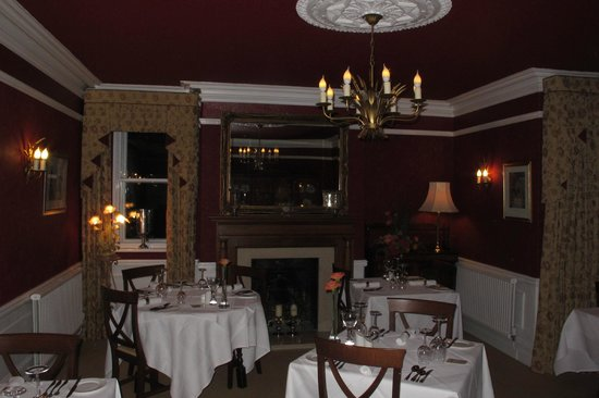Swinside Lodge Hotel: Dining room - much brighter in real life!
