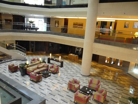 DoubleTree by Hilton Hotel Aqaba: business area
