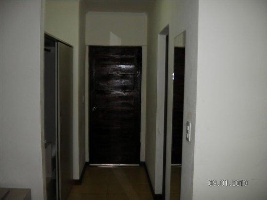 Sol Cataratas Hotel: Pasillo de la habitacion