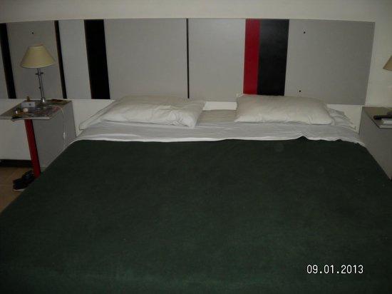 Sol Cataratas Hotel: Sommier