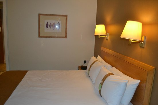 Holiday Inn High Wycombe M40, Jct.4: Bed