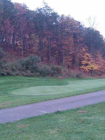 Rocky Gap Golf Course: Great fall golfing!