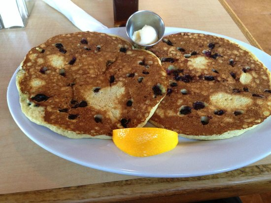Beach Grass Cafe : Blueberry pancakes.