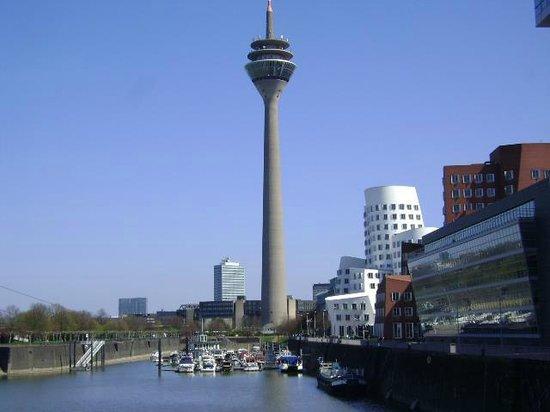 莱茵电视塔