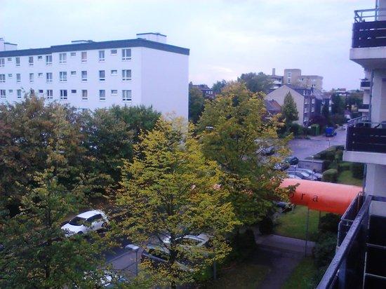 Acora Hotel und Wohnen Dusseldorf: Vista hacia la calle