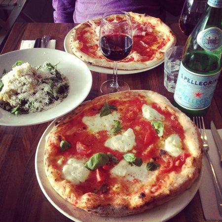 La Vespa Pizzeria