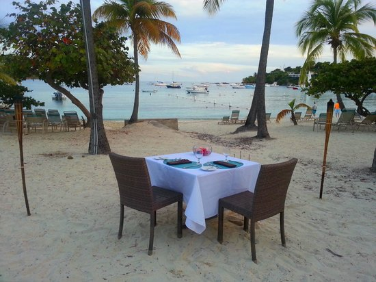 Elysian Beach Resort Dining At The