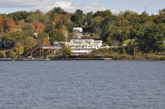 The Rhinecliff: View of hotel from Hudson River
