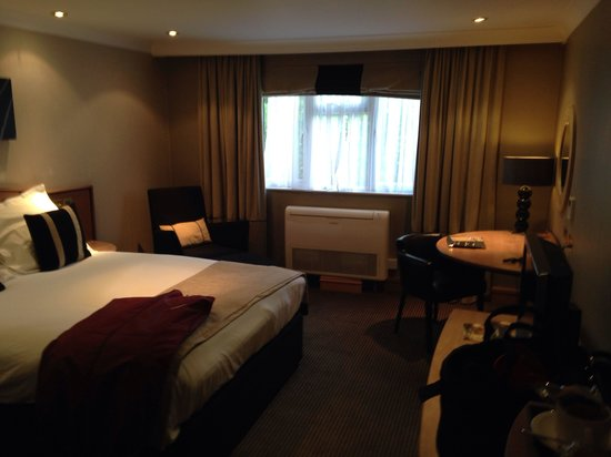 Crowne Plaza Felbridge Hotel : Room when we arrived