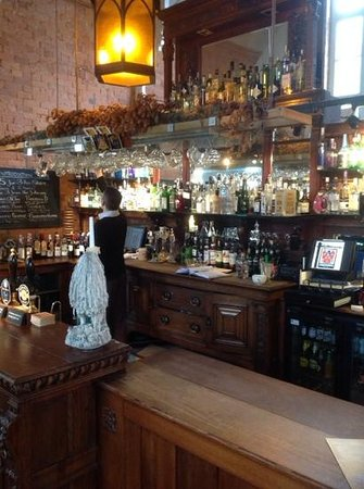 The Cholmondeley Arms: the Bar