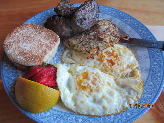 Remington's Restaurant : Brunch Steak & Eggs