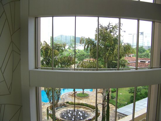 Real InterContinental Costa Rica at Multiplaza Mall: View from upstairs hallway