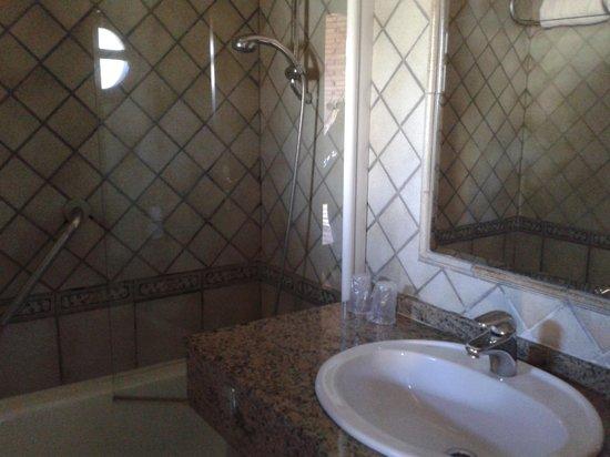 Hotel Mio Cid: Baño