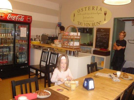 Hostel Cinque Terre : Breakfast - inside view