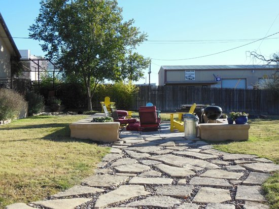 The Maverick Inn: The back outdoor patio - with fire pit and bbq grill