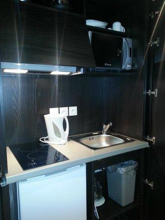 Seven Urban Suites Nantes Centre : cocina