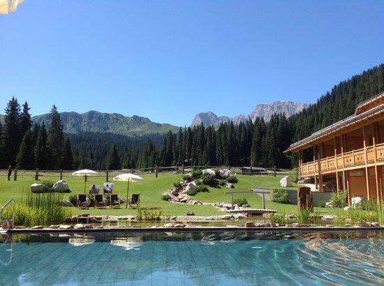 Tirler - Dolomites Living Hotel: Hotel mit Pool und Panorama