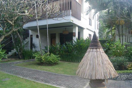 Rama Candidasa Resort & Spa: entrada habitación