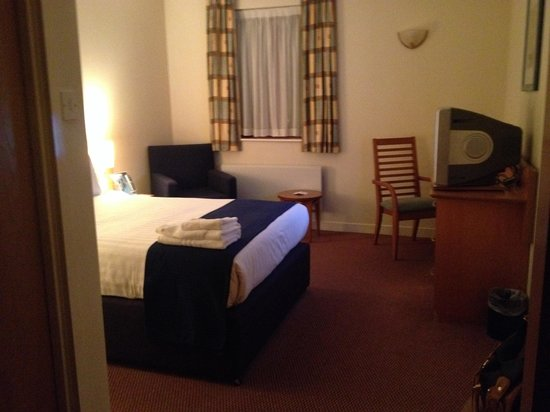 Holiday Inn Express Greenock : Bedroom