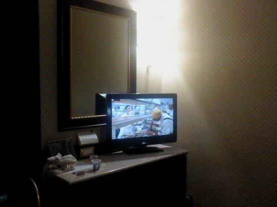BEST WESTERN Hotel Mondial: Tv
