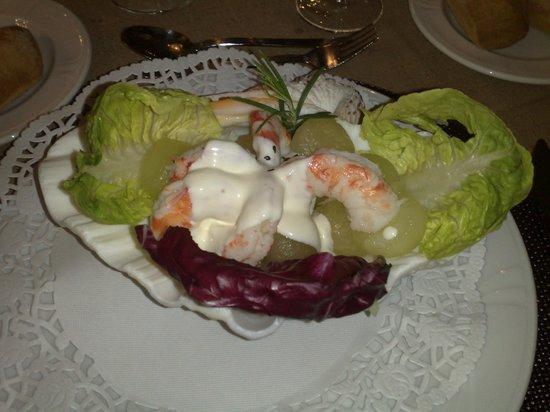 Barca d'Or : Салат из дынь и креветок в раковине
