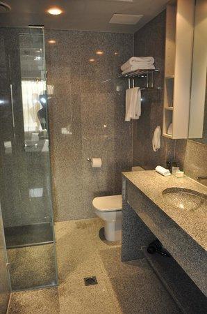 Mantra Tullamarine Hotel : Bathroom