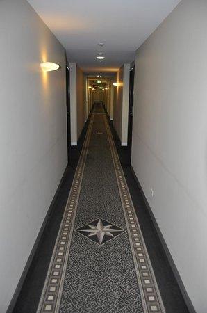 Mantra Tullamarine Hotel : Hallway