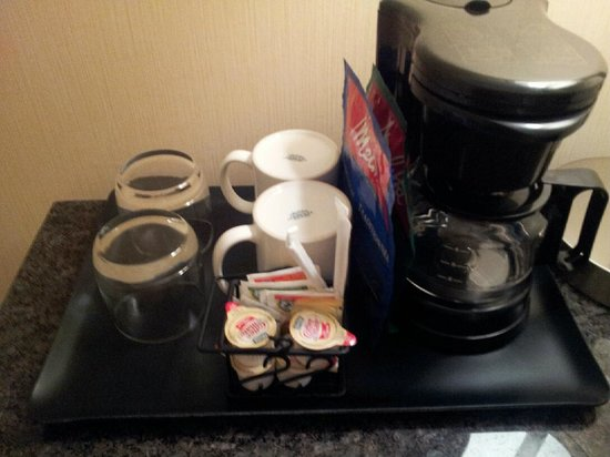 The Heldrich Hotel & Conference Center: Coffee Options in Room