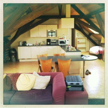 Maison de la Rose: Loft Room