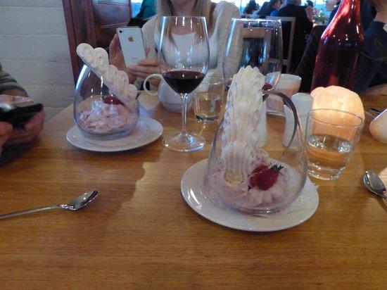 Xanders Brasserie: Nice desert