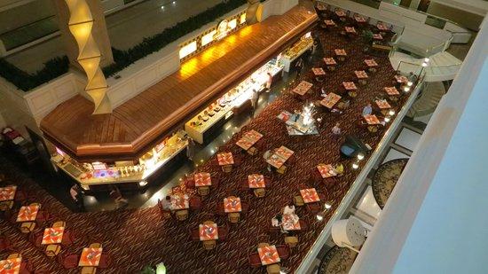Sheraton Guilin Hotel: Vista del restaurante