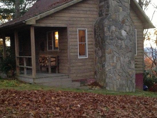 Fire Mountain Inn: The Red Cedar Cabin-perfect!