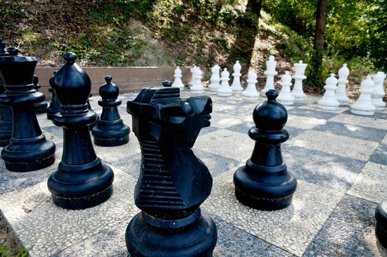 Buonriposo : Giant Chessboard