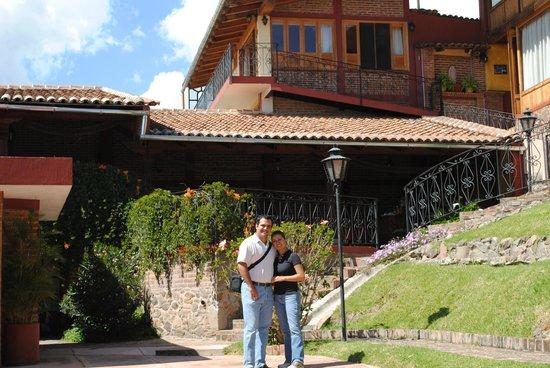 Hotel Posada Vista Bonita: La vista interior del hotel desde el patio