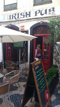 O'Luain's Irish Pub: indgang