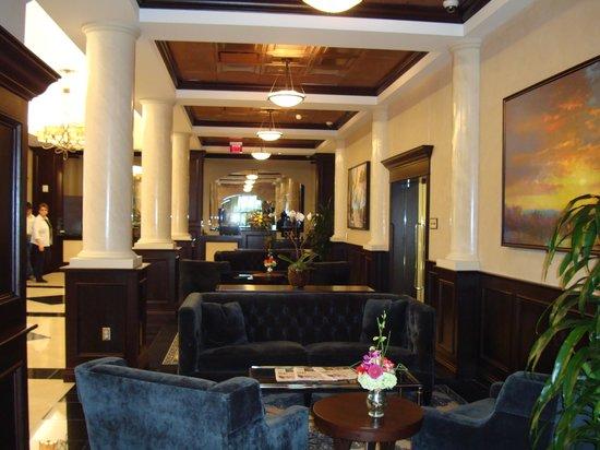 The Artesian Hotel, Casino & Spa: HOTEL LOBBY