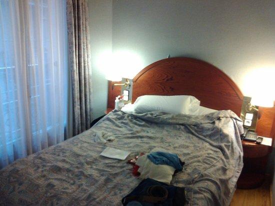 Hotel Rialto: Cama pequeña