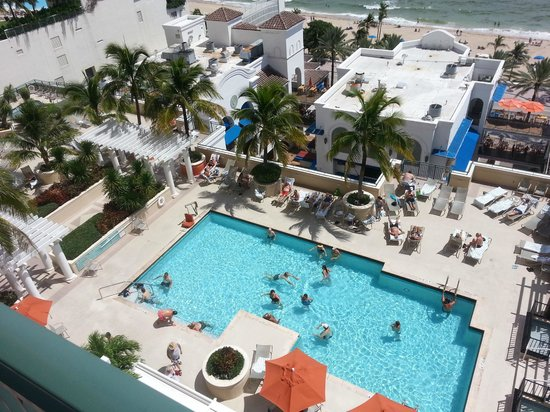 Marriott's BeachPlace Towers: Vista da piscina