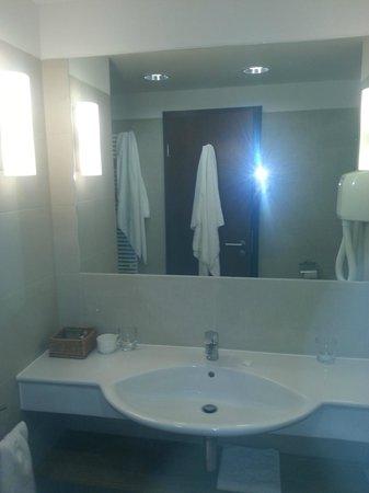 Tisza Balneum Thermal Hotel : Bathroom
