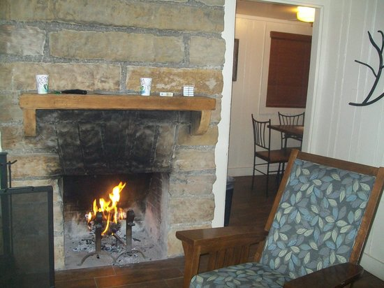 Lake Murray State Park & Lodge : Smoke stained mantle