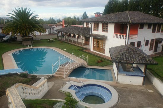 Hosteria San Carlos Tababela: Hacienda look