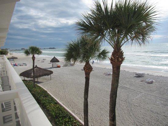 Sandcastle Resort at Lido Beach : Ocean View Room