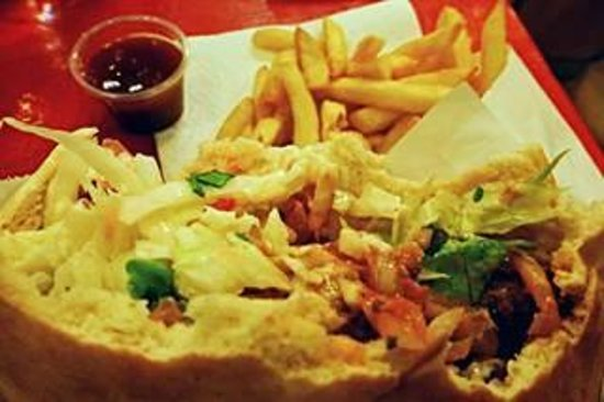 Maoz Vegetarian: Falafel in pita with french fries