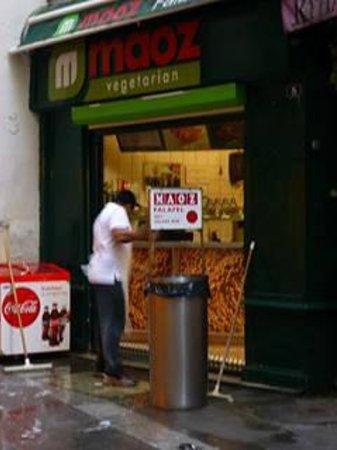 Maoz Vegetarian: Maoz storefront