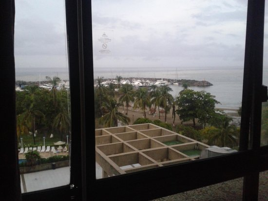 Playa Grande Caribe Hotel & Marina: Good views. But rooms look dated.